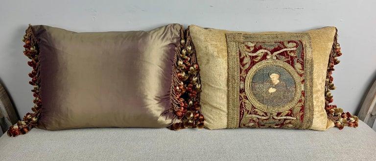 Pair of 18th Century Italian Embroidered Metallic Velvet Pillows For Sale 5
