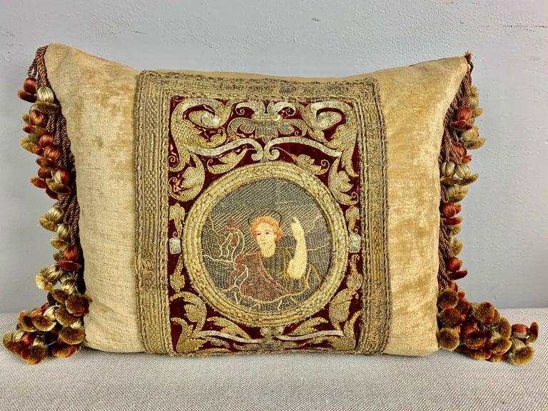 Silk Pair of 18th Century Italian Embroidered Metallic Velvet Pillows For Sale
