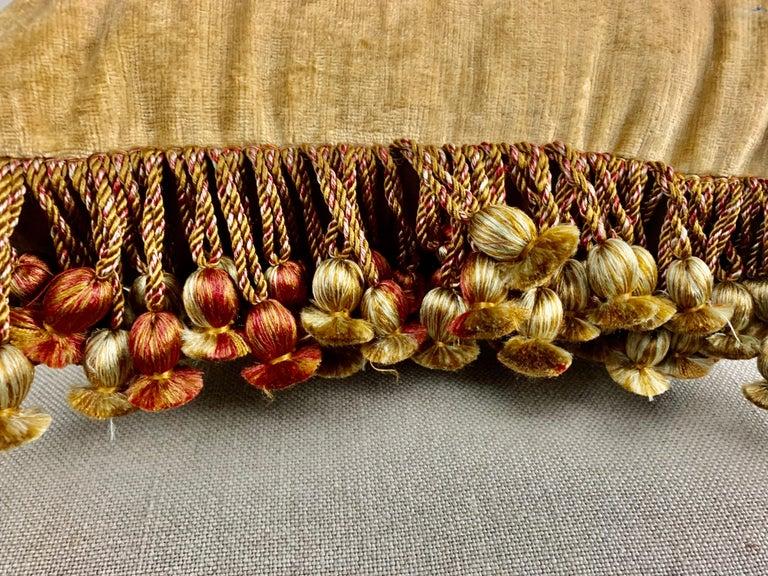 Pair of 18th Century Italian Embroidered Metallic Velvet Pillows For Sale 4