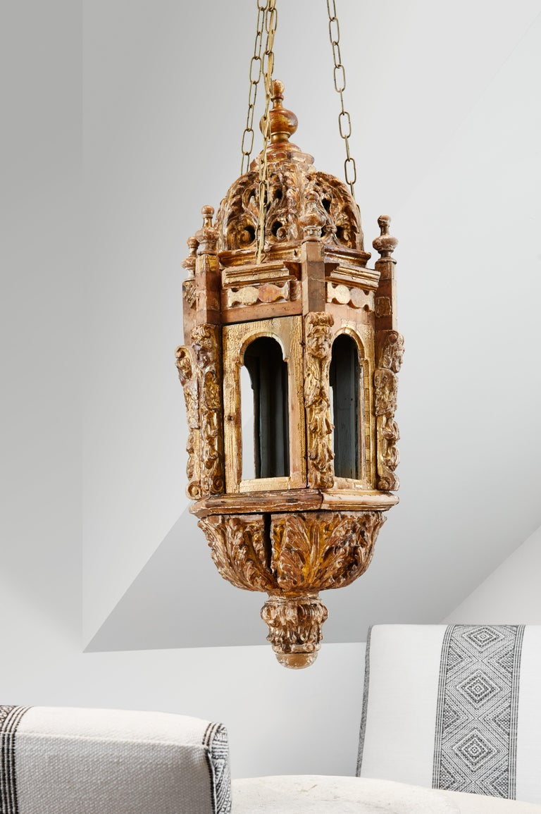 Pair of 18th Century Italian Giltwood Lanterns For Sale 5