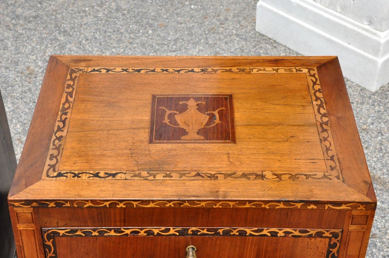Inlay Pair of 18th Century Italian Neoclassical Small Commodes in Fruitwood For Sale