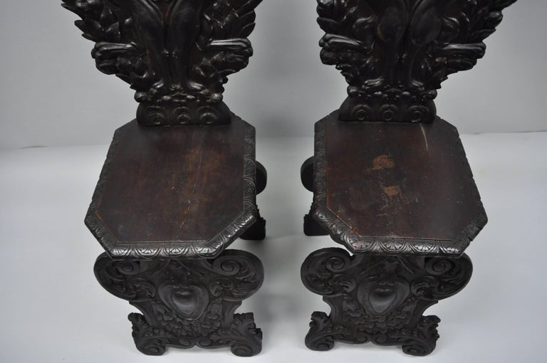 Pair of 18th Century Italian Renaissance Lion Carved Walnut Sgabello Hall Chairs For Sale 10