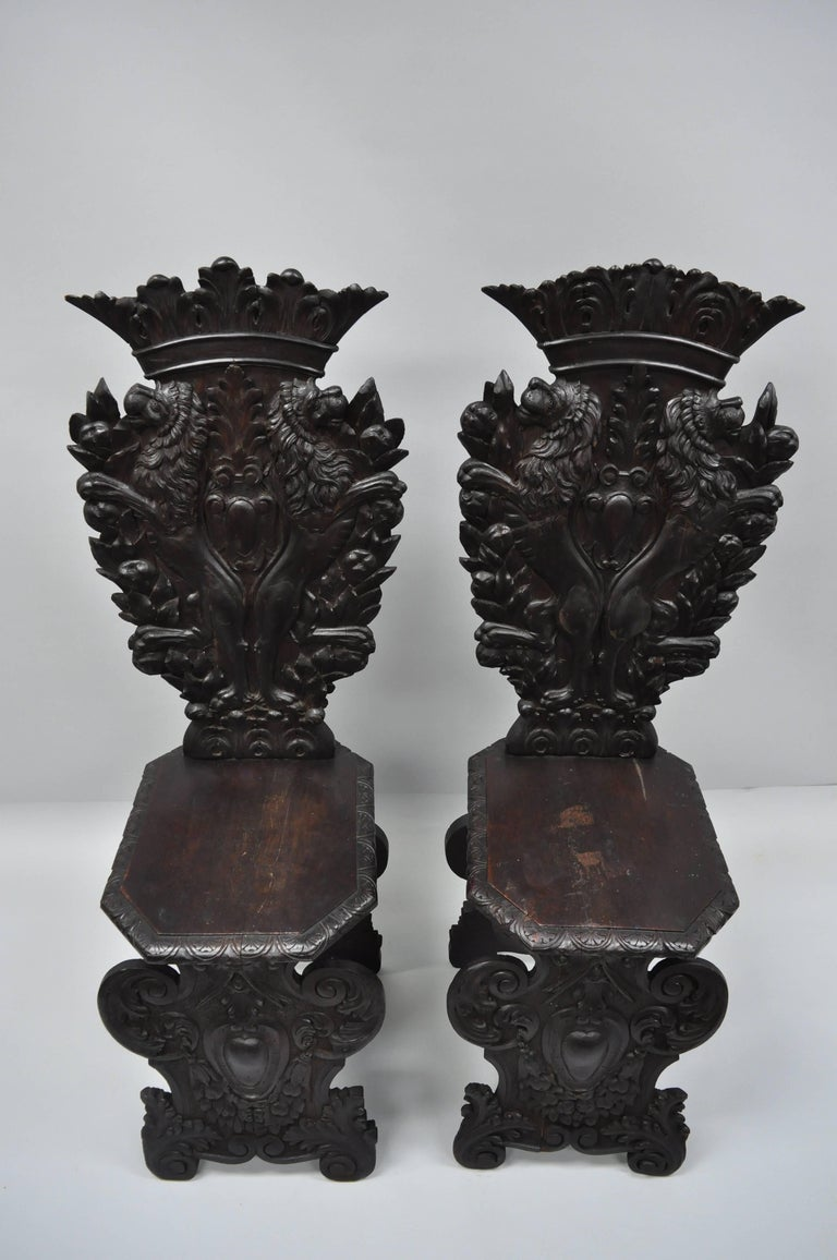 Pair of 18th Century Italian Renaissance Lion Carved Walnut Sgabello Hall Chairs For Sale 12