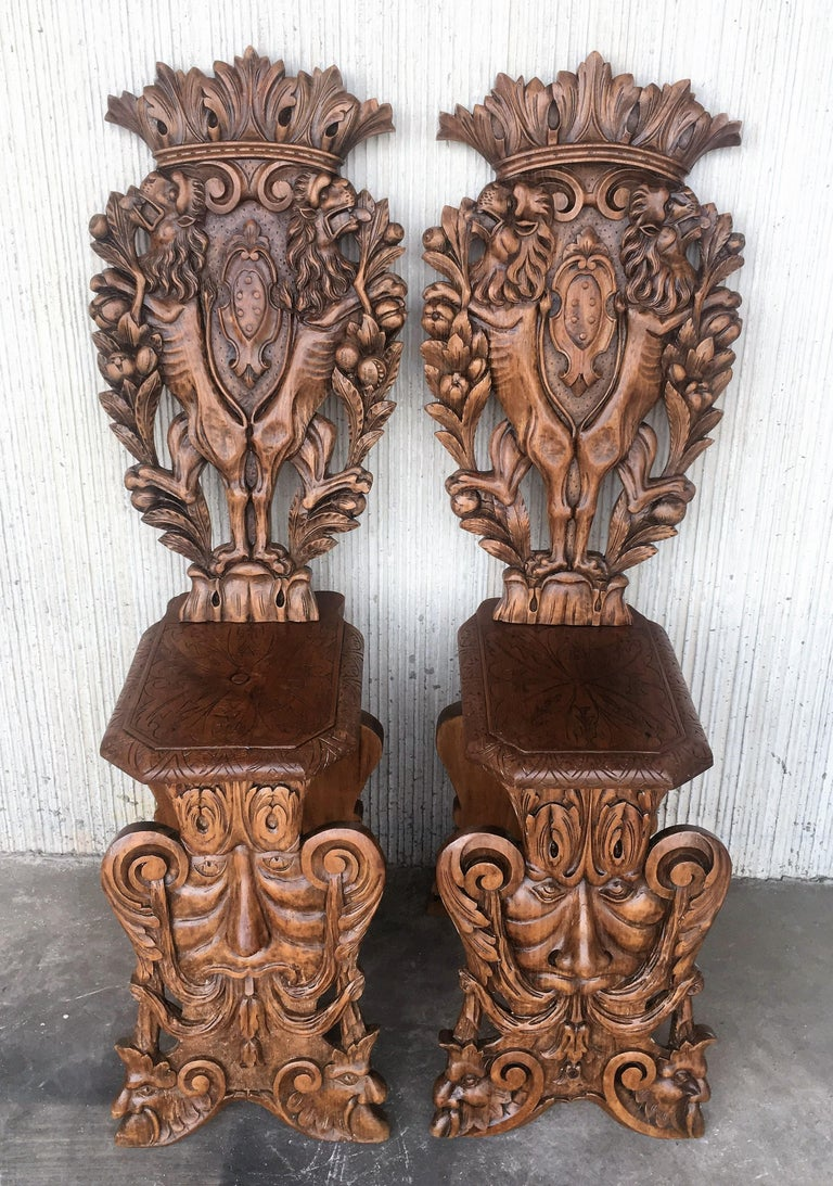 Hand-Carved Pair of 18th Century Italian Renaissance Lion Carved Walnut Sgabello Hall Chairs For Sale