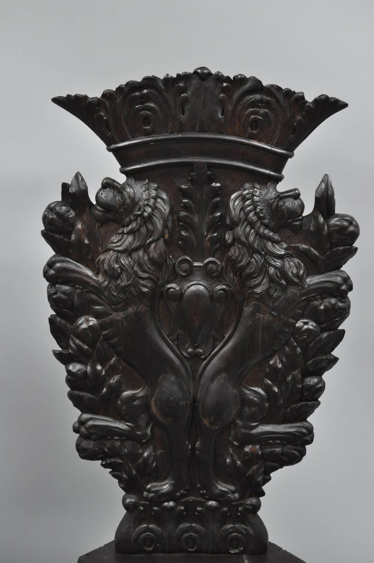 Pair of 18th Century Italian Renaissance Lion Carved Walnut Sgabello Hall Chairs For Sale 2