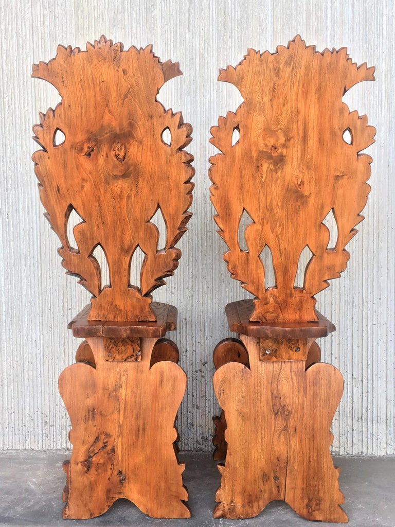 Pair of 18th Century Italian Renaissance Lion Carved Walnut Sgabello Hall Chairs For Sale 3