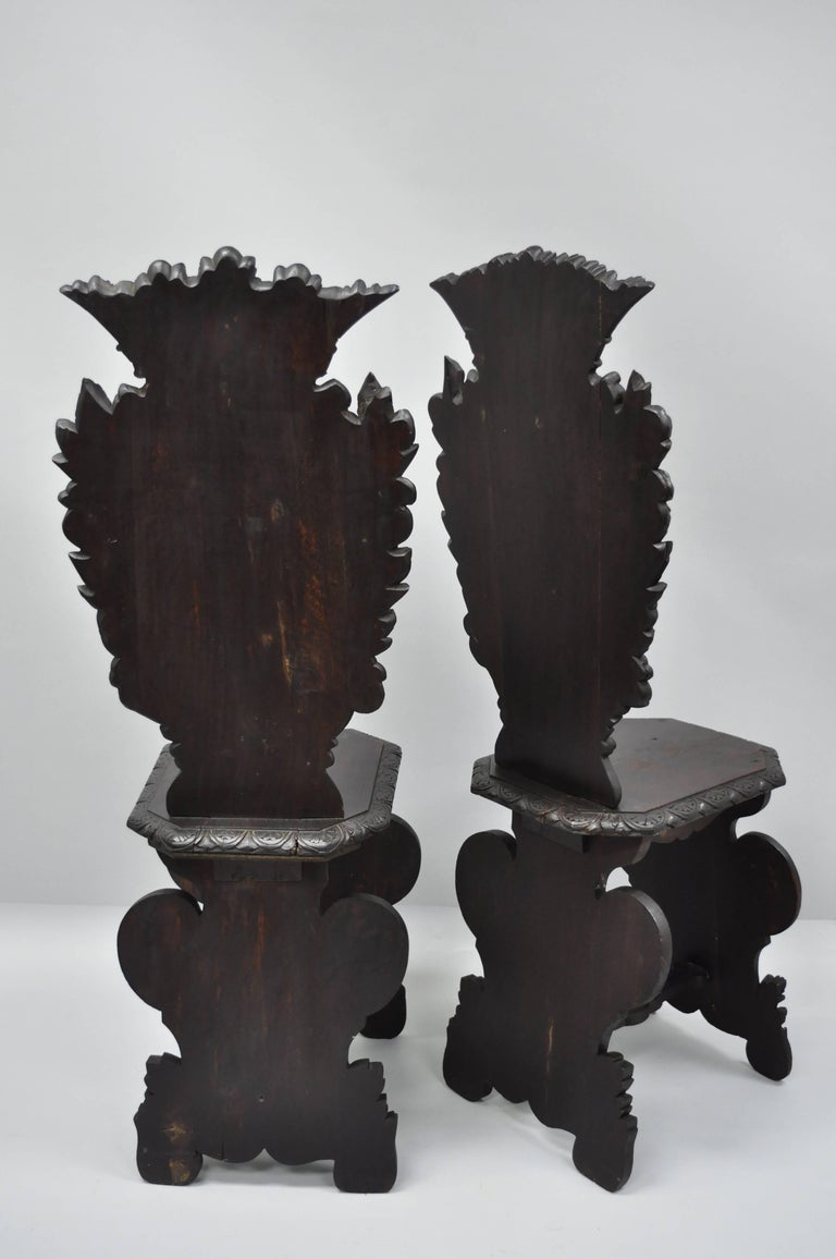 Pair of 18th Century Italian Renaissance Lion Carved Walnut Sgabello Hall Chairs For Sale 5