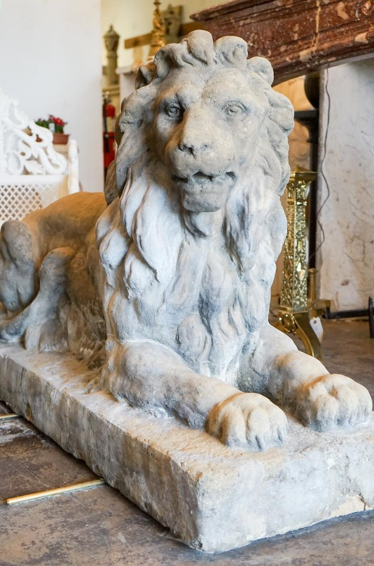 Pair of 18th Century Limestone Lions In Excellent Condition For Sale In Dallas, TX