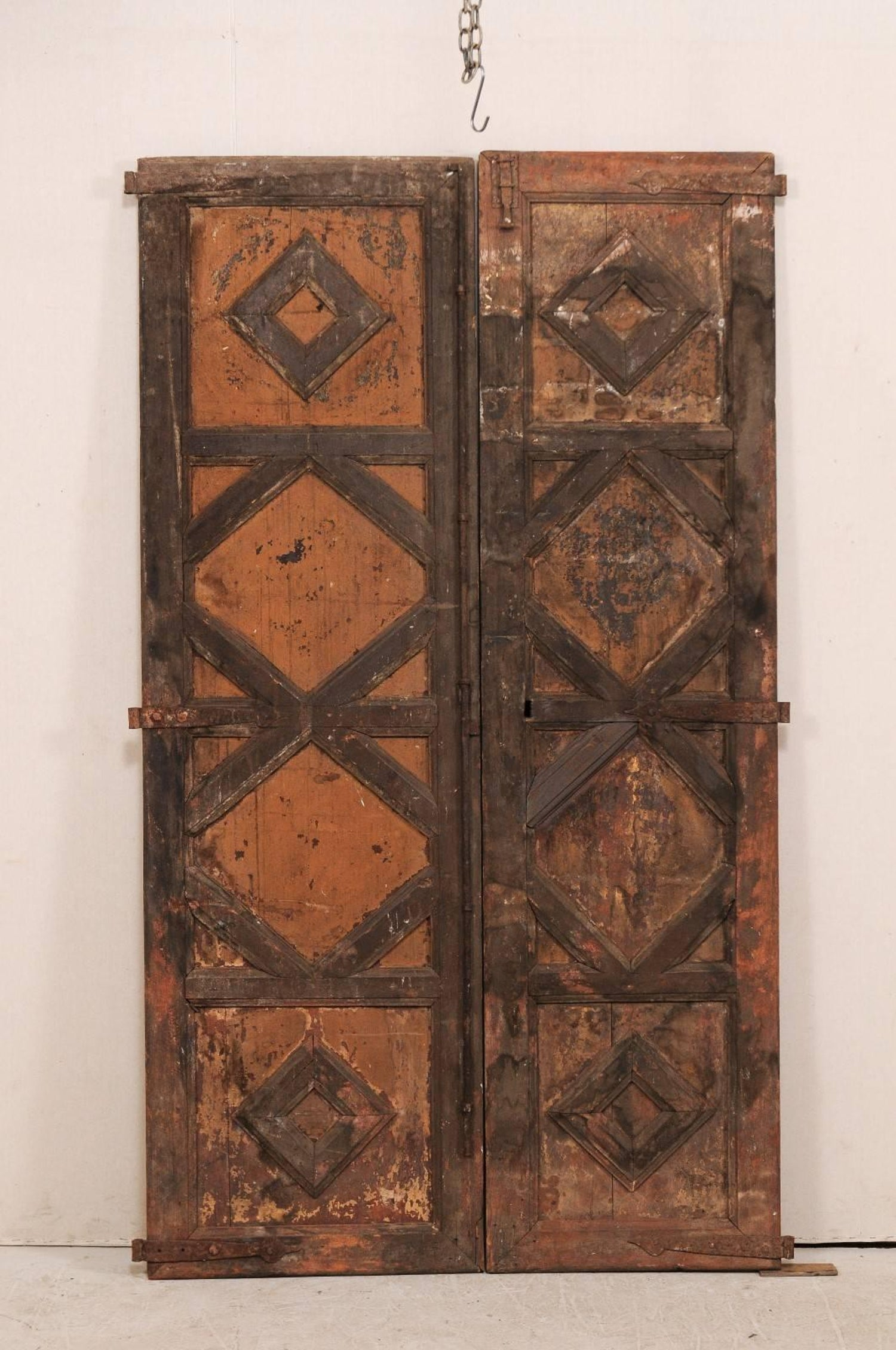 Pair of 18th Century Spanish Carved Wood Doors with Nice Molded Diamond  Pattern For Sale at 1stdibs - Pair Of 18th Century Spanish Carved Wood Doors With Nice Molded