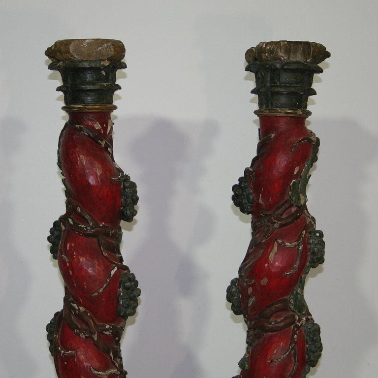 Pair of 18th Century Spanish Hand Carved Wooden Columns For Sale 1