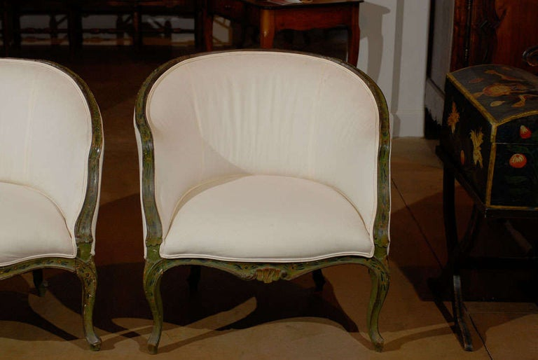 Rococo Pair of 18th Century Venetian Painted Bergere Chairs For Sale