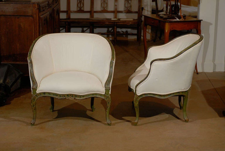 Wood Pair of 18th Century Venetian Painted Bergere Chairs For Sale