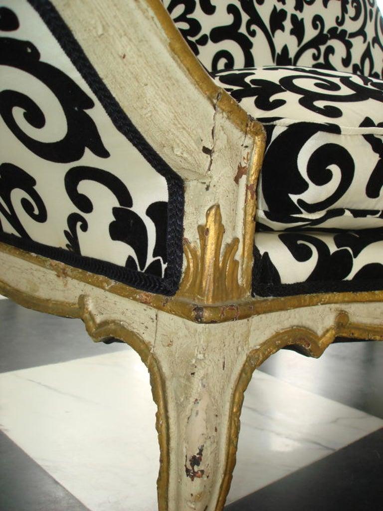 Walnut Pair of 18th Century Venetian Sofas For Sale
