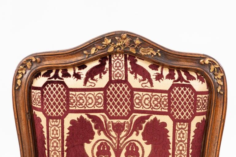 Velvet Pair of 18th Century Venetian Walnut Armchairs For Sale
