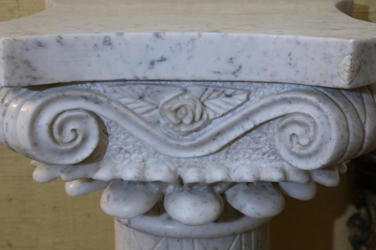 Pair of Early 20th Century Italian Marble Carved Pedestals In Good Condition For Sale In Houston, TX