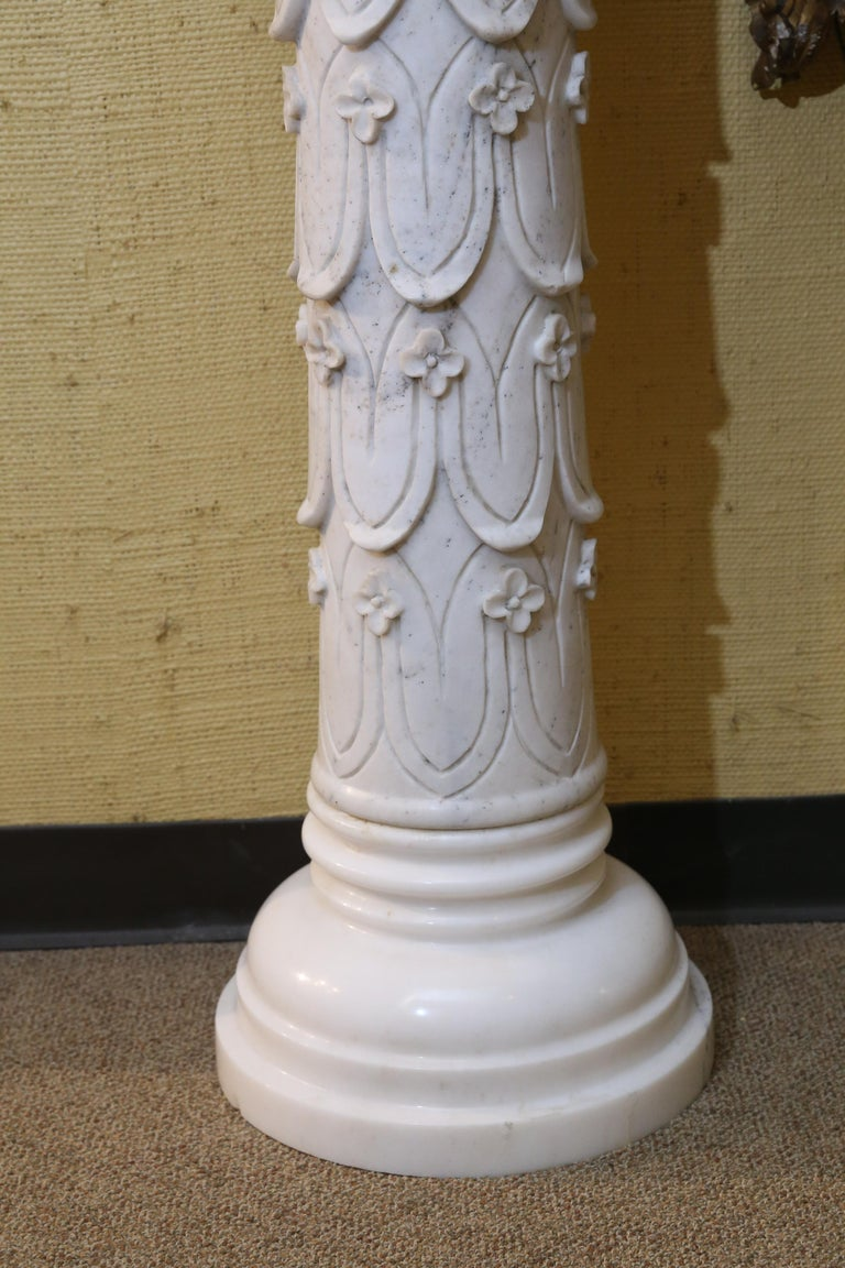 Pair of Early 20th Century Italian Marble Carved Pedestals For Sale 1