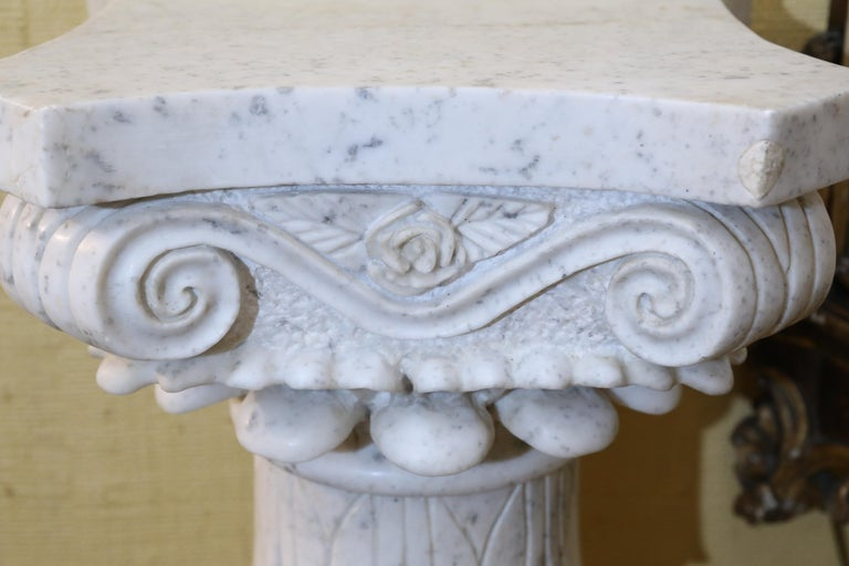 Pair of Early 20th Century Italian Marble Carved Pedestals For Sale 3