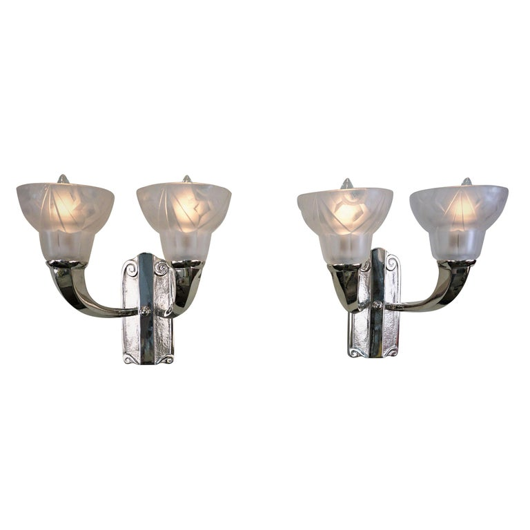 finest selection 6ab80 bed9a Pair of 1920s Double light Art Deco Wall Sconces by Degué