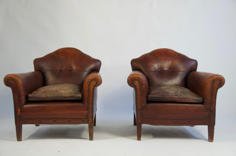 Peachy Pair Of 1920S European Leather Lounge Chairs Alphanode Cool Chair Designs And Ideas Alphanodeonline