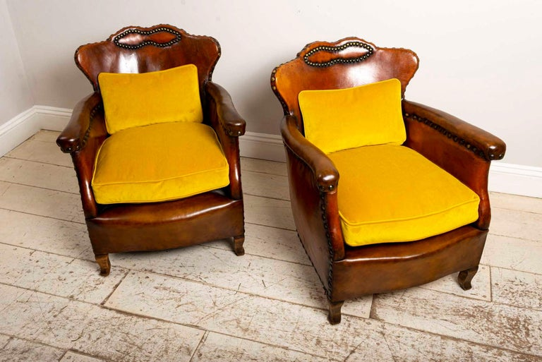 20th Century Pair of 1920s Swedish Brown Leather Studded Club Chairs by Otto Schulz For Sale