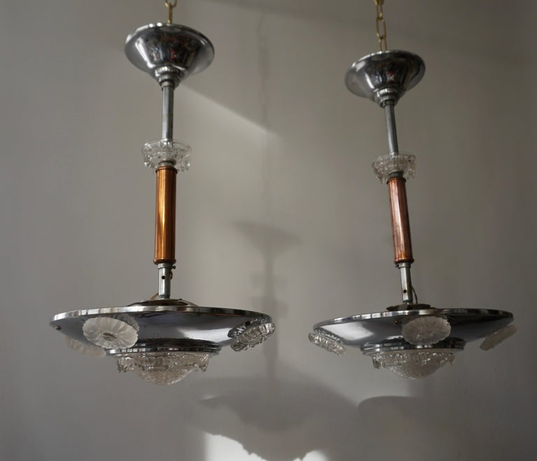Pair of 1930s Chrome and Glass Art Deco Chandeliers In Good Condition For Sale In Antwerp, BE
