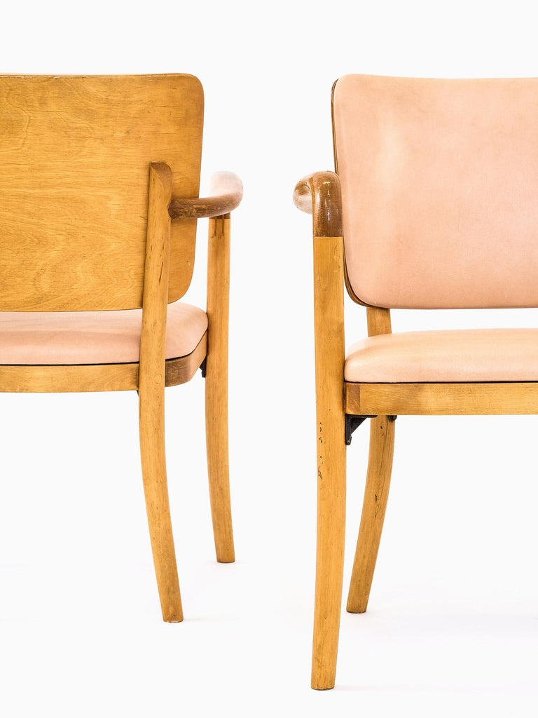 Veneer Pair of 1940s Birch & Aniline Leather Armchairs Designed by Werner West, Finland For Sale