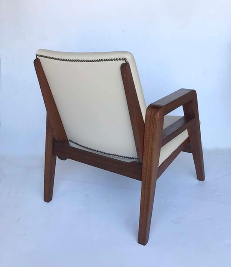 Pair of 1940s French Mahogany and Leather Armchairs In Good Condition For Sale In Los Angeles, CA