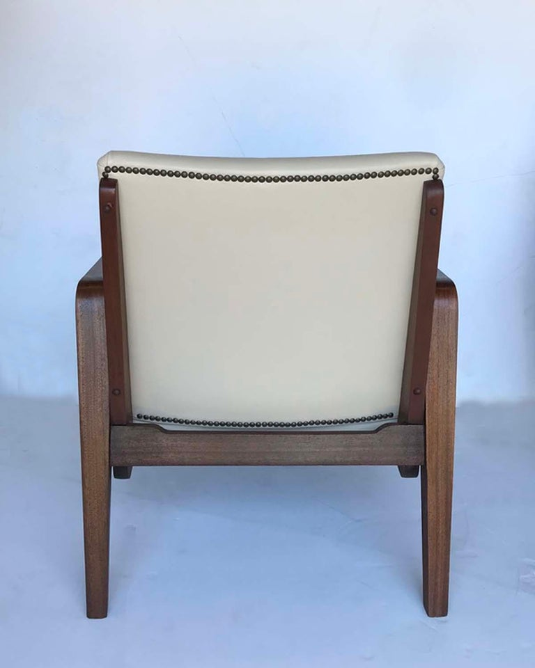 20th Century Pair of 1940s French Mahogany and Leather Armchairs For Sale