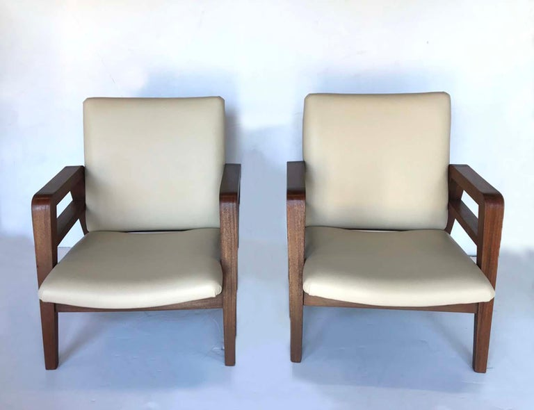 Pair of 1940s French Mahogany and Leather Armchairs For Sale 2