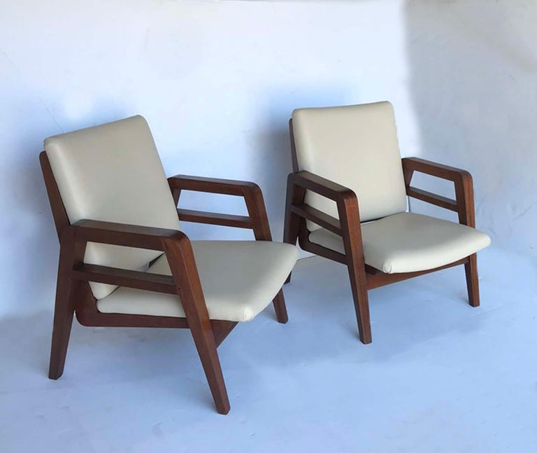 Pair of 1940s French Mahogany and Leather Armchairs For Sale 3