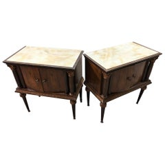Pair of 1940s Italian Nightstands in Natural Walnut with Glass Top Marbled