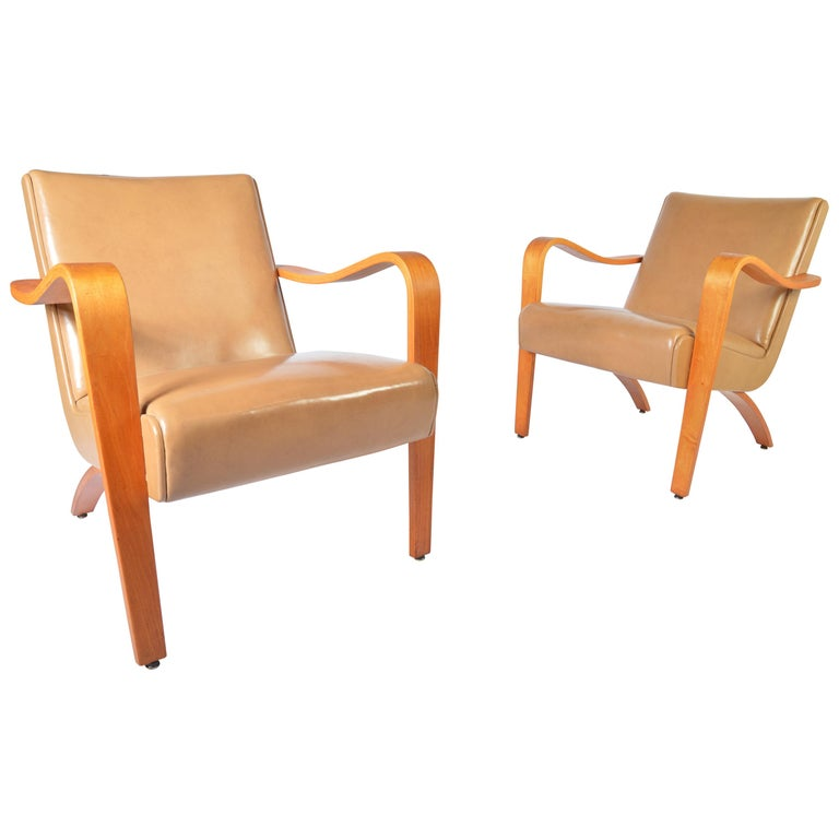 Super Pair Of 1940S Thonet Bentwood Lounge Chairs At 1Stdibs Spiritservingveterans Wood Chair Design Ideas Spiritservingveteransorg