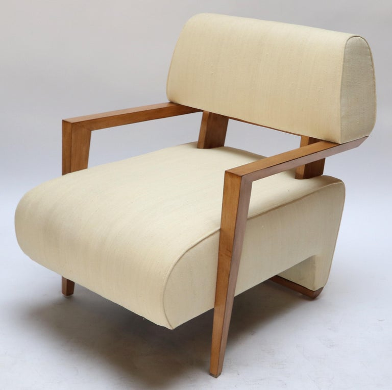 Pair of 1950s French Art Deco armchairs in ivory raw silk.