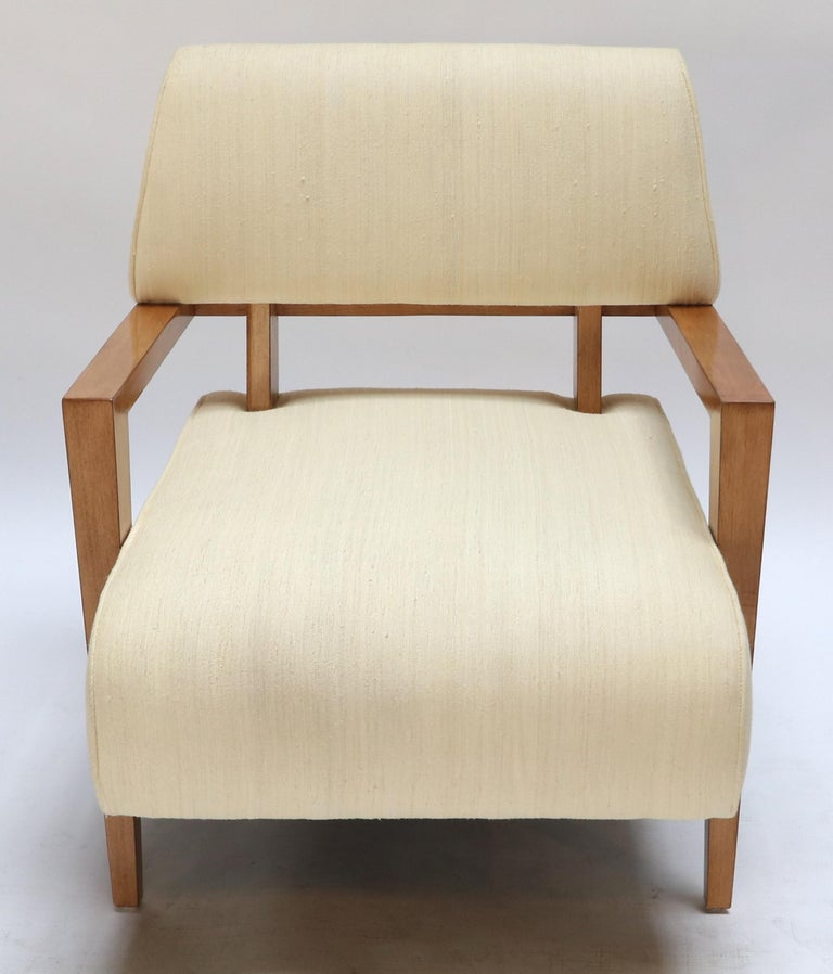 Pair of 1950s Art Deco French Armchairs in Ivory Raw Silk In Good Condition For Sale In Los Angeles, CA