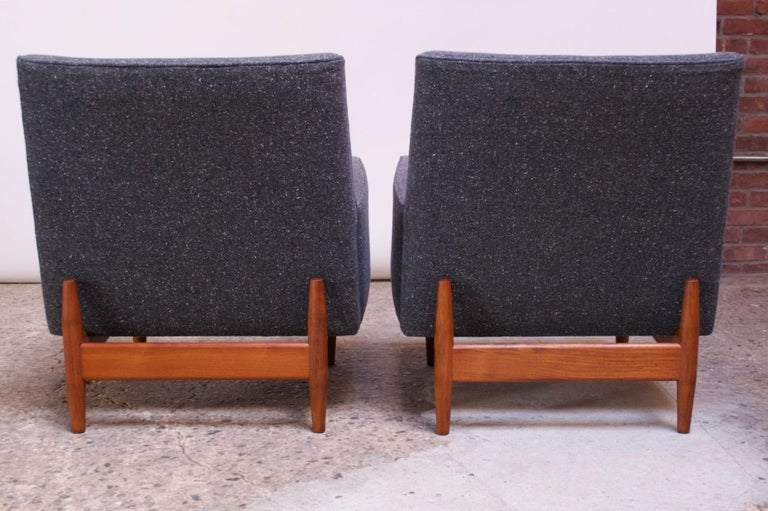 Pair of 1950s Floating Walnut Lounge Chairs by Jens Risom For Sale 3