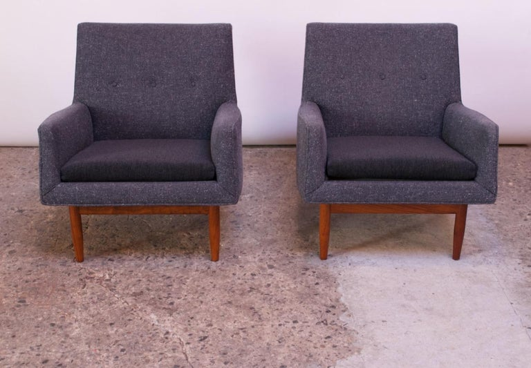American Pair of 1950s Floating Walnut Lounge Chairs by Jens Risom For Sale