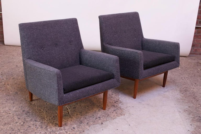 Mid-20th Century Pair of 1950s Floating Walnut Lounge Chairs by Jens Risom For Sale