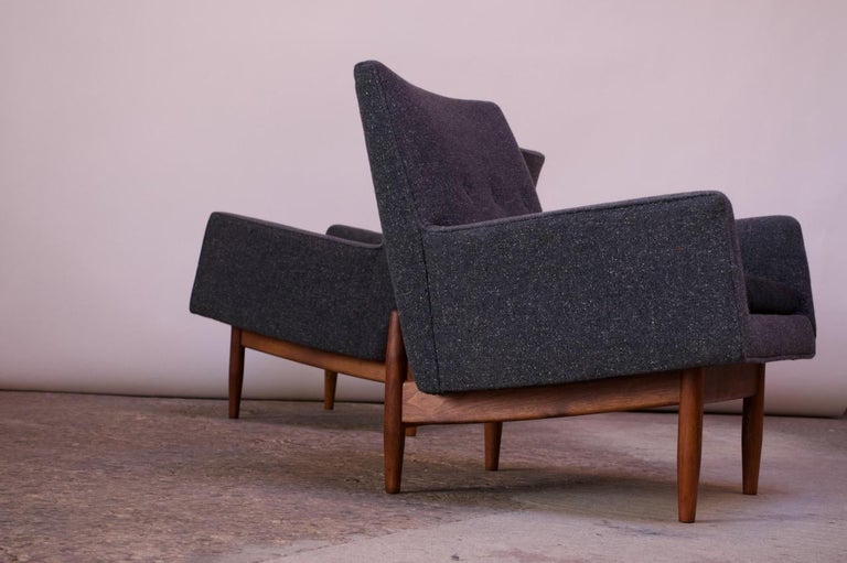 Pair of 1950s Floating Walnut Lounge Chairs by Jens Risom For Sale 2