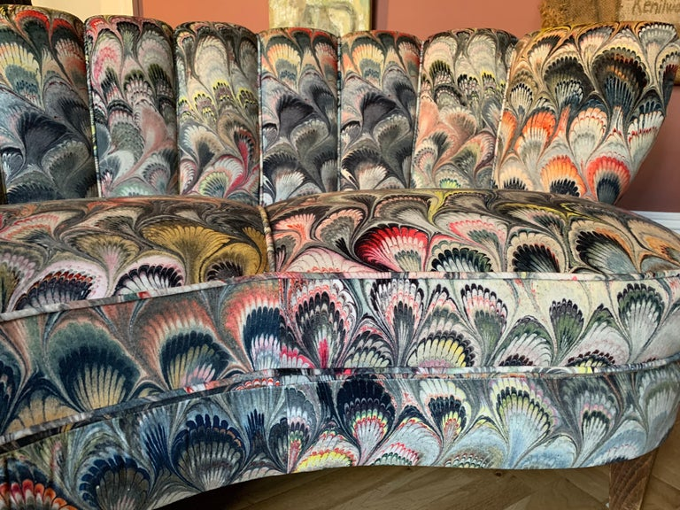 Pair of 1950s German Scalloped Curved Sofas in Beata Heuman Marbleised Fabric For Sale 5