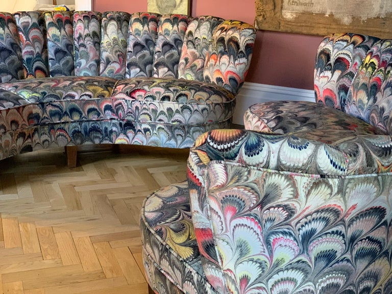 Pair of 1950s German Scalloped Curved Sofas in Beata Heuman Marbleised Fabric For Sale 8