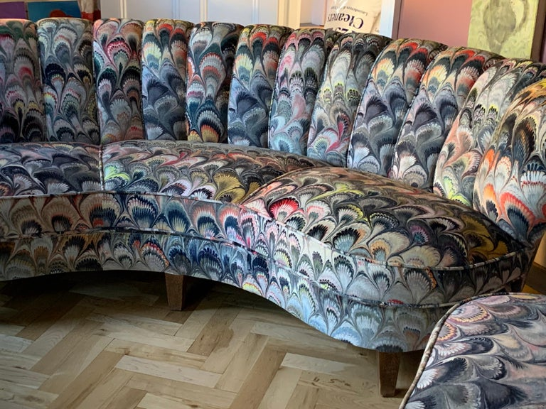 Pair of 1950s German Scalloped Curved Sofas in Beata Heuman Marbleised Fabric For Sale 10