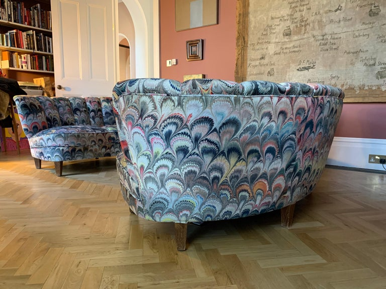 20th Century Pair of 1950s German Scalloped Curved Sofas in Beata Heuman Marbleised Fabric For Sale