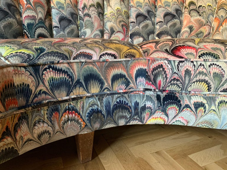 Pair of 1950s German Scalloped Curved Sofas in Beata Heuman Marbleised Fabric For Sale 3