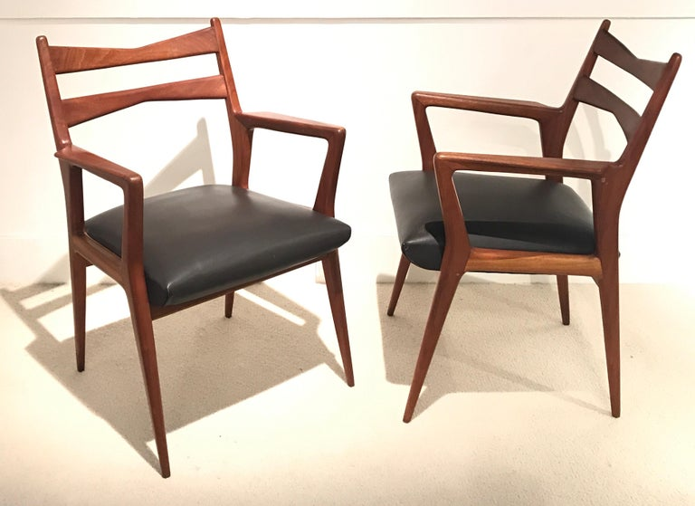 Pair of 1950s Italian Armchairs For Sale 8