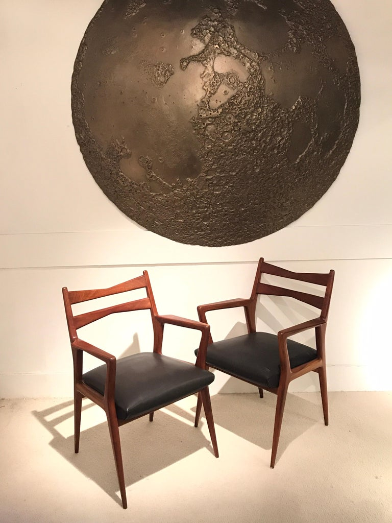 Pair of 1950s wood Italian armchairs in the manner of Gio Ponti Original leather.