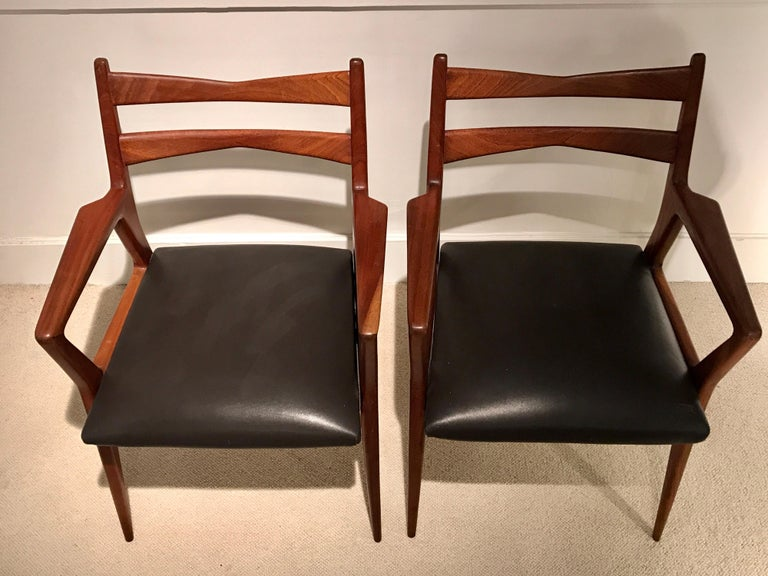 Pair of 1950s Italian Armchairs For Sale 2
