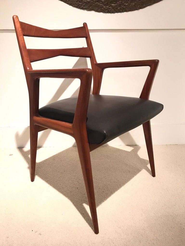 Pair of 1950s Italian Armchairs For Sale 3