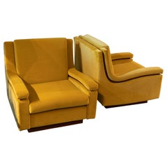 Pair of 1950s Italian Armchairs in Mustard Yellow Velvet, Wood Details
