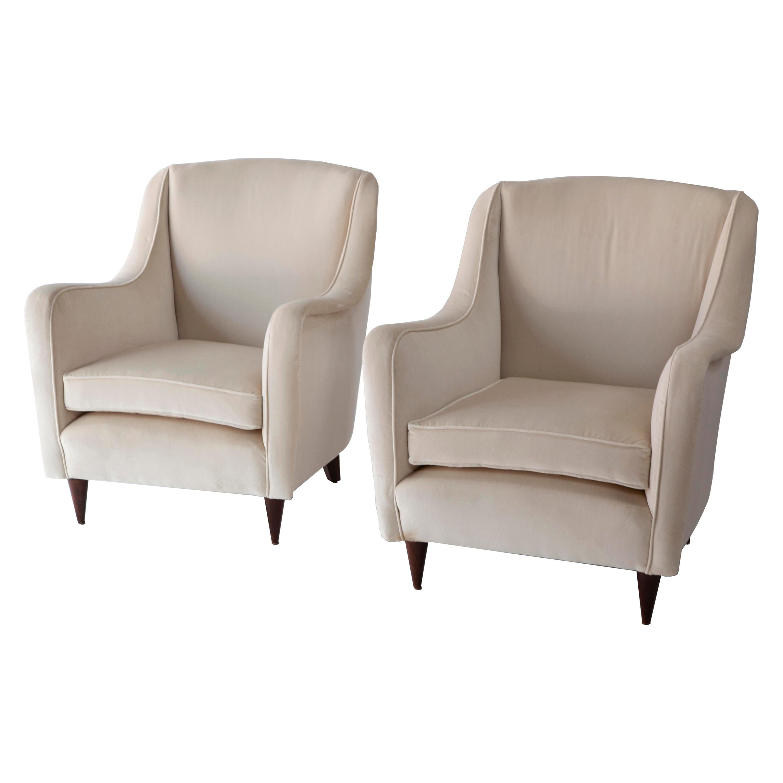 Pair of 1950s Italian Armchairs in the Style of Carlo de Carli