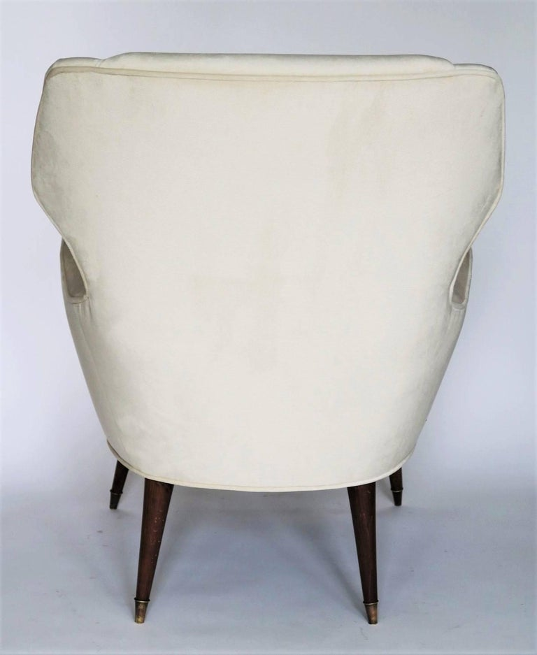 20th Century Pair of 1950s Italian Lounge Chairs in the Style of Ico Parisi in Velvet For Sale